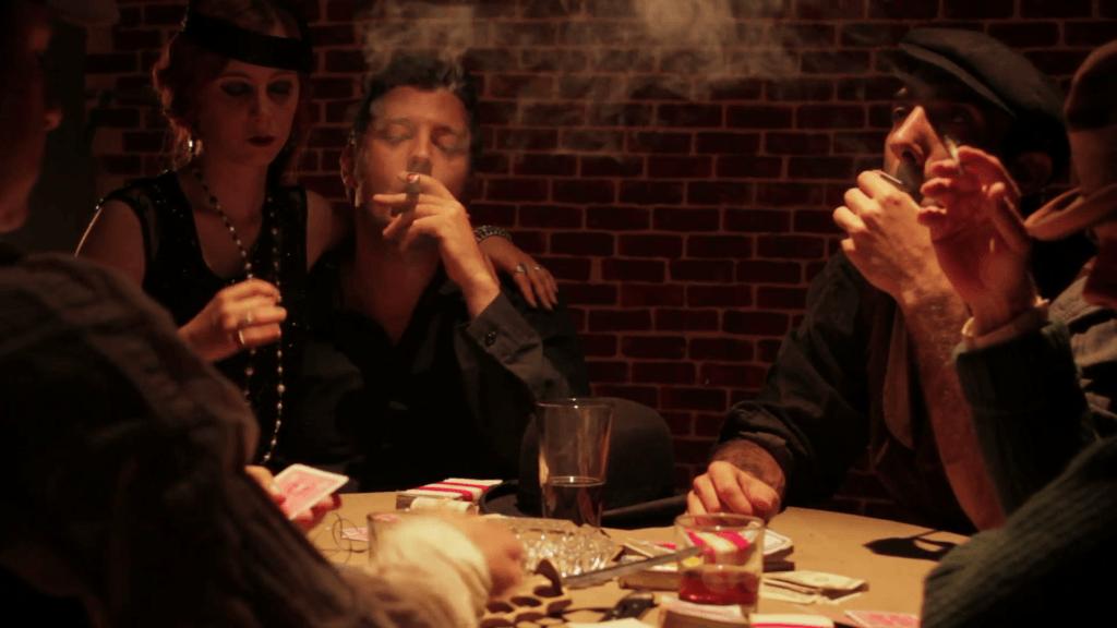 افراد سیگاری بیتوجه
